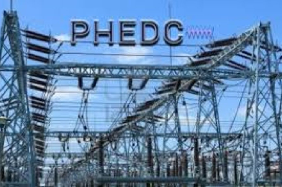 https://bluebloodz.com/index.php/2020/08/16/black-out-in-rivers-state-as-angry-youths-shut-down-power-station/(opens in a new tab)